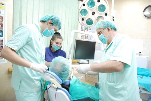 Implant Centar Stojanovic tim